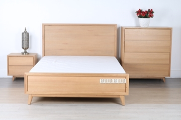 Picture of WAVERLEY NATURAL OAK 4PCS BEDROOM COMBO