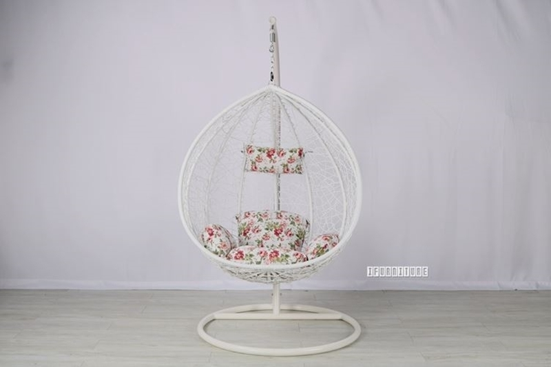 Picture of #9 HANGING EGG CHAIR *WHITE