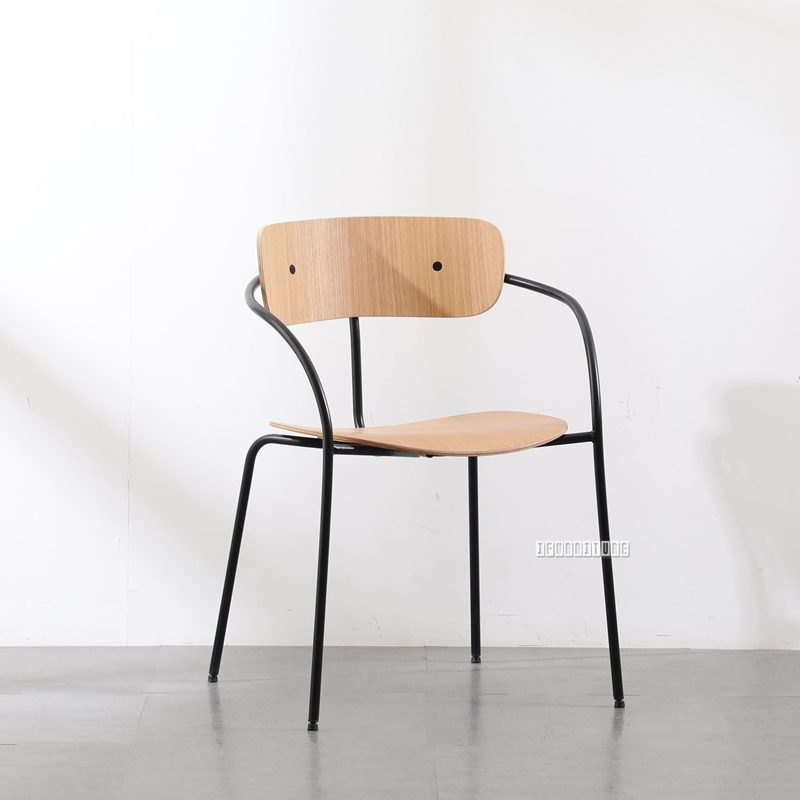 Picture of CRISP BENT WOOD CHAIR WITH ARMS *NATURAL